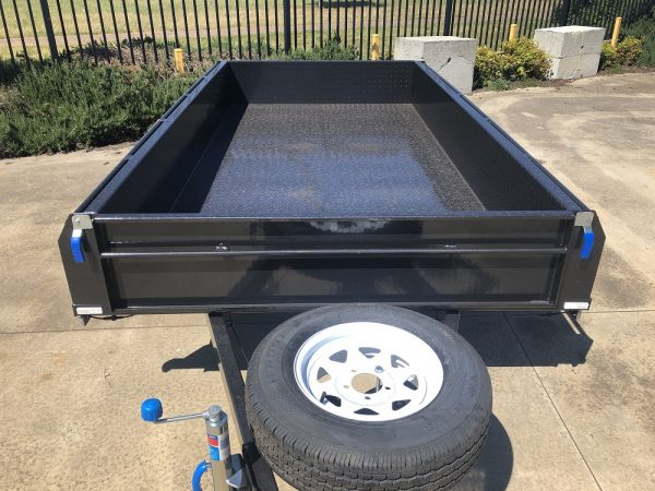 rolled-body-tandem-12x6-rated 2000kg